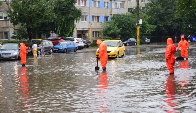 Foto: Ploi torenţiale la Constanţa! RAJA a prelungit Comandamentul pentru Situații de Urgență