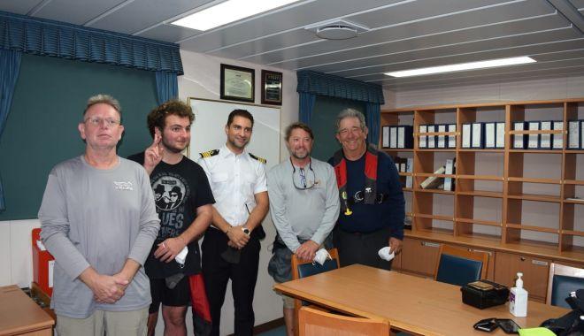 Foto: Comandantul Bogdan Rusu și echipajul său au salvat viața a patru marinari