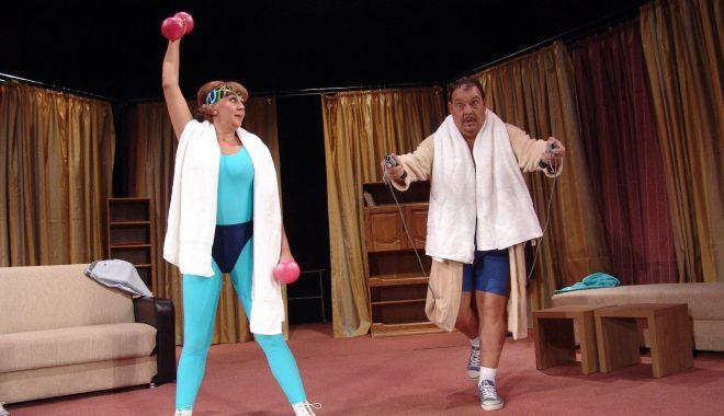 """Foto: Comedia """"Să ne răzbunăm,  iubito!"""", pe scena Teatrului de Stat"""