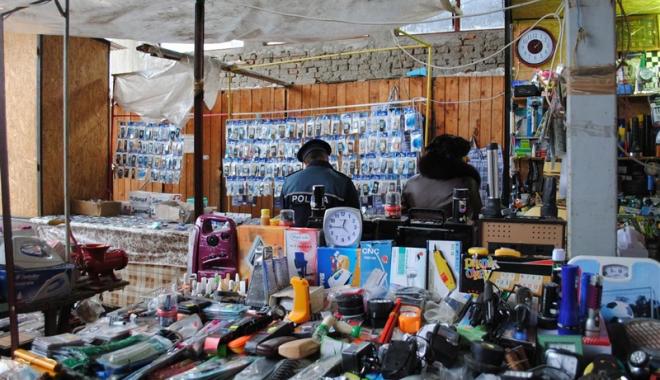 Foto: Comercianţii ilegali,  amendaţi cu zeci de mii de lei