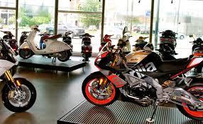 Foto: Comerțul auto-moto a prins viteză
