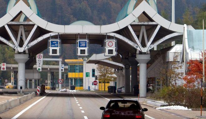 Comisarul european pentru Migraţie cere încetarea controlului la frontierele din Schengen - comisarul-1554838718.jpg