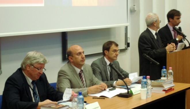 Foto: Raporturile româno-ruse,  în dezbaterea  unor renumiţi istoriografi