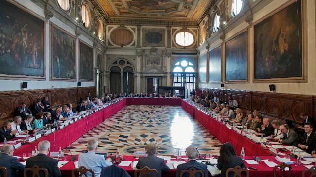 Foto: Comisia de la Veneția critică modificarea Legilor Justiției. Cele 7 recomandări ale experților
