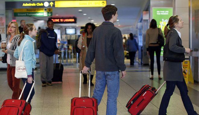 Foto: Companiile aeriene măresc  durata estimată a zborurilor pentru  a evita acordarea de despăgubiri