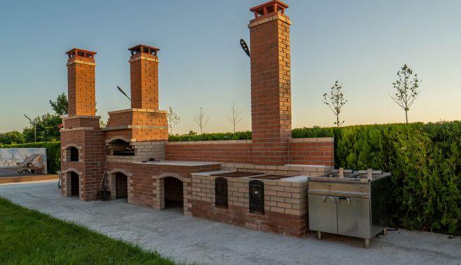 """Complexul """"Burebista"""" vă aşteaptă la masă. Un nou restaurant cu specific pescăresc, deschis la Istria - complexburebista1-1628013966.jpg"""