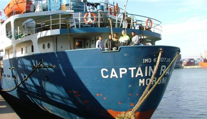 Creşte numărul navigatorilor români traşi pe sfoară - complicelerechinilordinshipping-1442842402.jpg