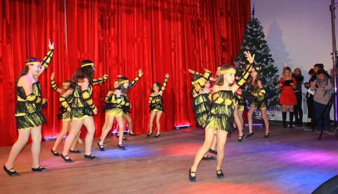 Comuna Mihail Kogălniceanu, în sărbătoare.  Olimpicii şi sportivii, răsplătiţi pentru premiile obţinute - comunakogalniceanu1-1450076783.jpg