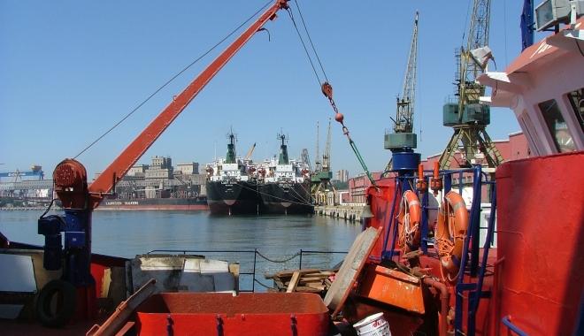 """Foto: """"Război în portul Constanţa"""" / Comunitatea portuară, în conflict cu Fondul Proprietatea"""