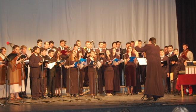 """Foto: Concertul """"În vremea aceea…"""", la Casa de cultură"""