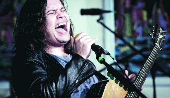 """Foto: Concert Radu Almăşan la """"Harlequin"""" în Mamaia"""
