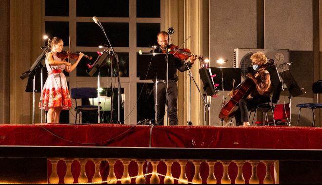 Foto: Concert de bijuterii muzicale pentru melomani