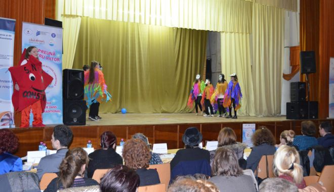 Foto: Concurs naţional de dans pentru elevii  cu dizabilităţi, la Constanţa