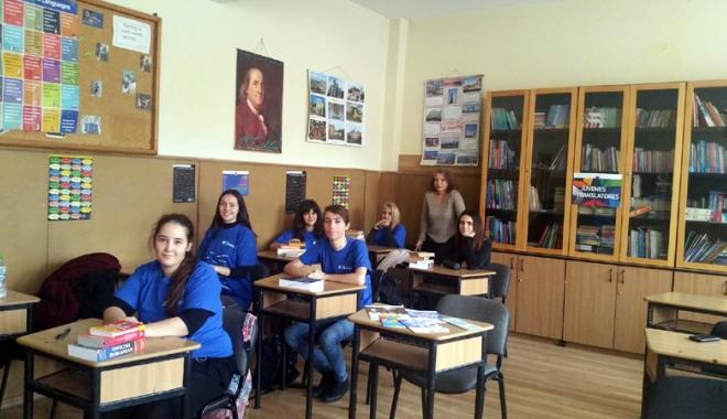 """Foto: Concurs european de traduceri, la Liceul """"Călinescu"""""""