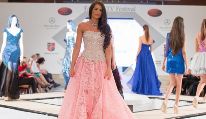 Foto: Concurs internaţional de Miss, la Costineşti