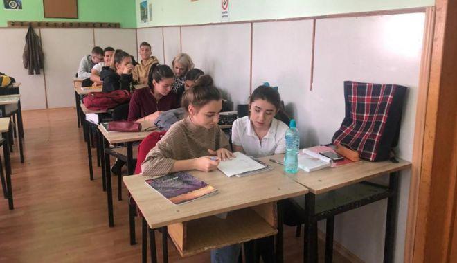 """Foto: Concurs de cultură generală, la liceul """"George Călinescu"""""""