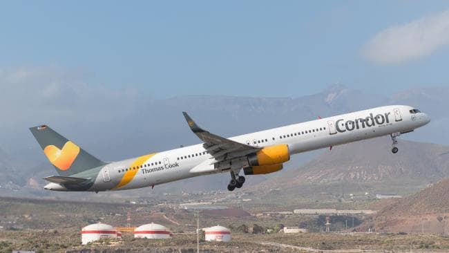 Foto: Un avion de pasageri a aterizat de urgenţă în Grecia din cauza unei ameninţări cu bombă