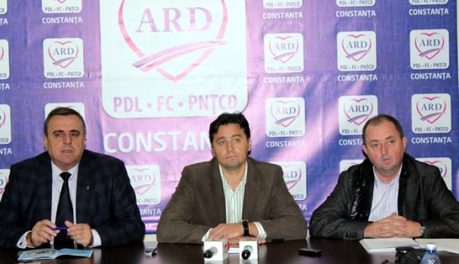 Foto: Iorgu�, Chiril� �i Barde �i-au prezentat priorit��ile �n caz c� ajung parlamentari