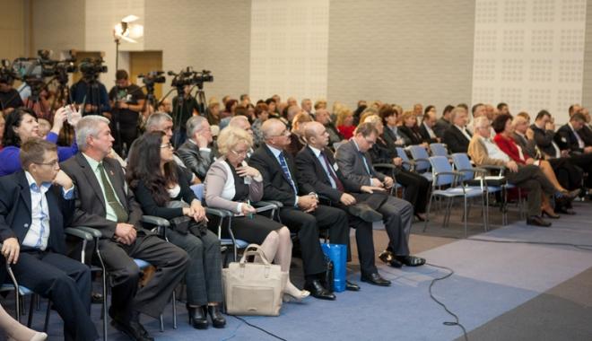 Personalit��i interna�ionale la conferin�a de psihologie din sta�iunea Venus