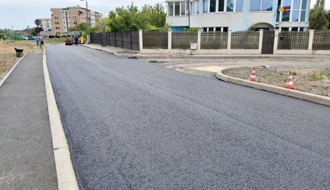 Foto: Administrația locală a îmbunătățit accesul rutier și pietonal în cartierul Km 5