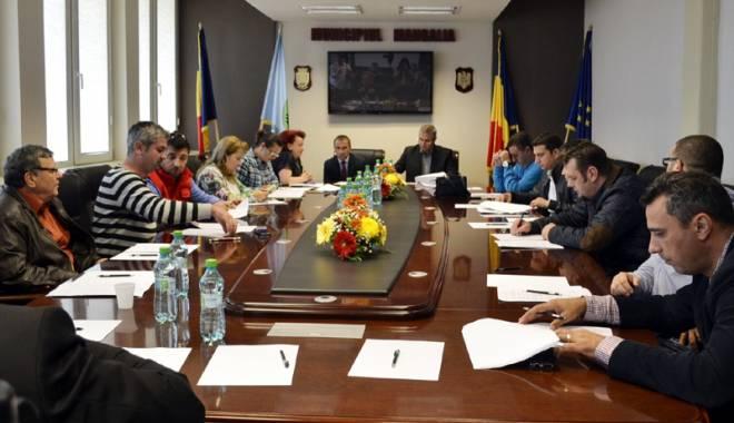 Foto: Consilierii din Mangalia au votat programul  de evenimente pentru sezonul estival 2015