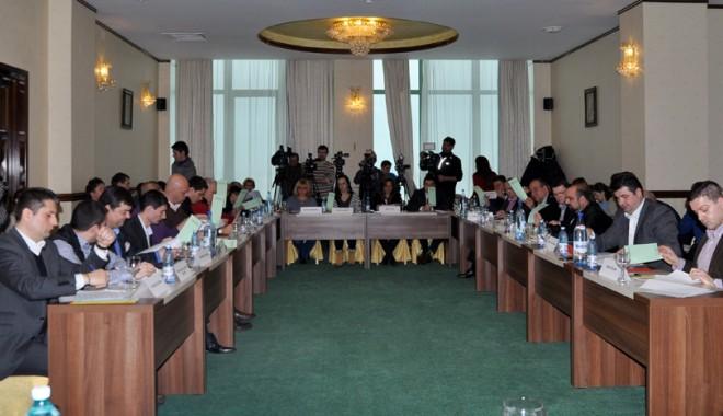 Foto: Consilierii locali din Constanţa  se reunesc  în şedinţă