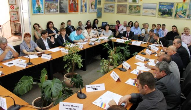 Foto: Consilierii locali din Medgidia au votat mai multe proiecte de interes local