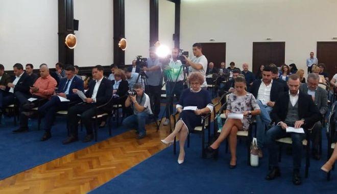 Foto: Consilierii din Constanța se reunesc în ședință. Subvenția la căldură, pe ordinea de zi