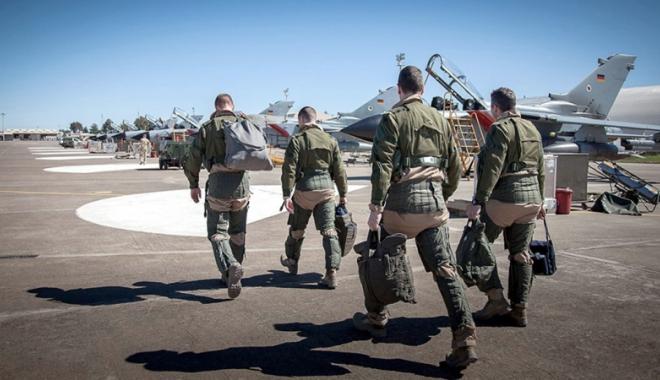 Foto: Consiliul de miniştri aprobă retragerea militarilor germani de la baza turcă din Incirlik