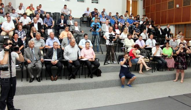 Consilierii vor să reabiliteze sistemul de irigaţii din judeţ la standarde europene