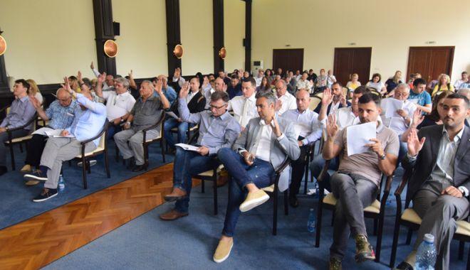 Foto: Consilierii județeni, convocați în ședință.  Ce proiecte se votează și unde se duc banii CJC
