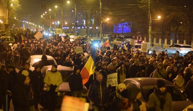 Foto: Constanţa nu renunţă. Proteste istorice la malul mării