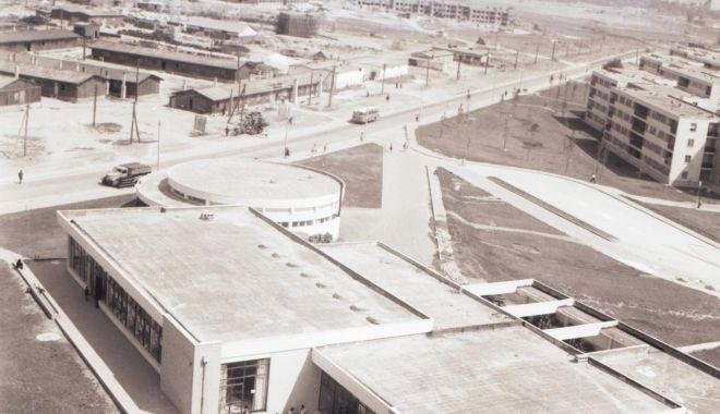 Foto: Constanţa de odinioară. Construcţii, spaţii verzi. Recunoaşteţi cartierul?