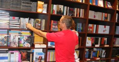 Foto: 30.000 de volume şi cursuri de limba franceză,  la Biblioteca  din Mangalia
