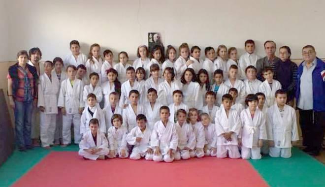Foto: Constanţa îşi pregăteşte viitorii campioni la judo