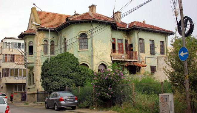 Foto: Galerie foto - Constanţa, oraşul clădirilor istorice lăsate în paragină