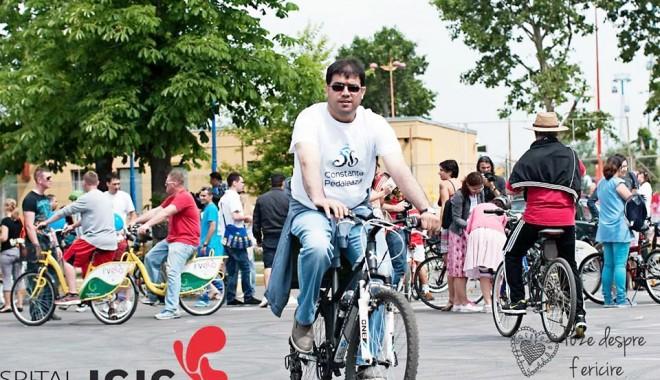 Foto: Constanţa pedalează pentru sănătate