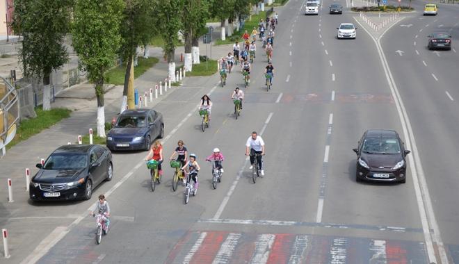 """Foto: Weekendul acesta ne gândim la sănătate. """"Constanţa pedalează""""  din Mamaia până  la Năvodari şi înapoi"""