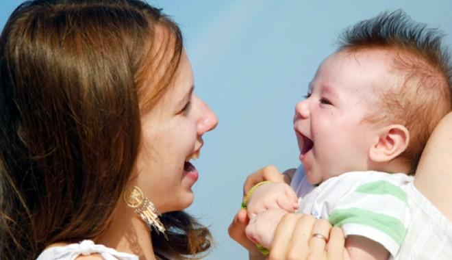 Foto: Constanţa, pe ultimul loc în topul adopţiilor. Cine şi de ce îngreunează procesul?