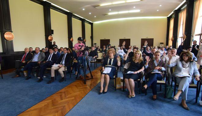 Foto: Consilierii locali, convocați în ședință. Doi academicieni devin cetățeni de onoare ai Constanței