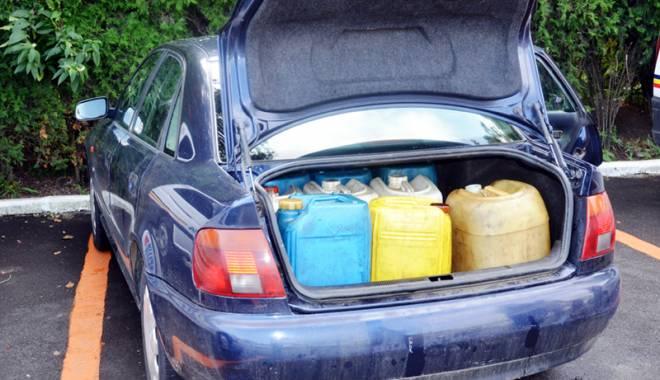 Constănţean  de 20 de ani, prins cu 280 de litri de motorină fără documente - constantean-1456941759.jpg