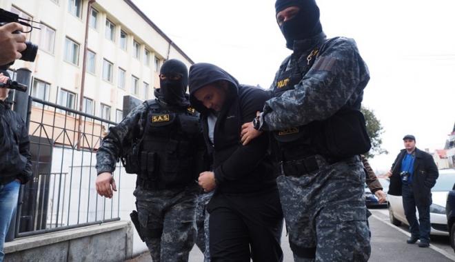 Foto: Constănţean căutat pentru furturi în Austria şi Norvegia, reţinut de poliţişti