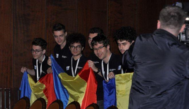 Foto: Constănţean premiat la Olimpiada Balcanică de Matematică