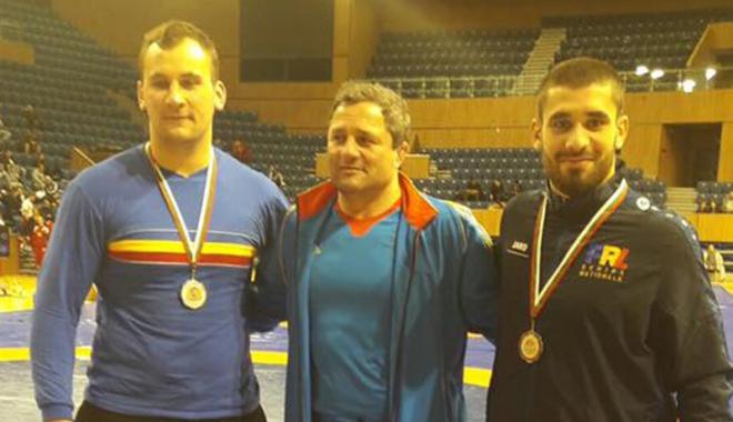 Foto: Luptătorii, test reuşit în turneul internaţional de la Varna
