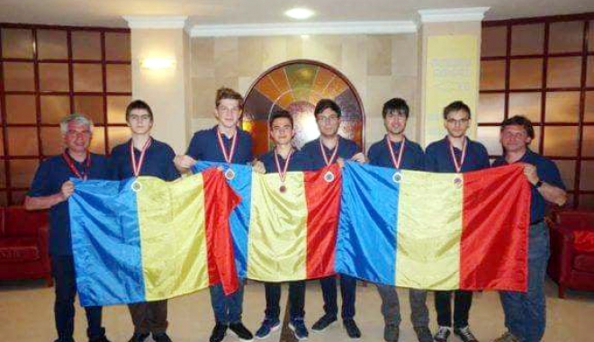 Foto: Constănţeanul  Mihai Iliant, medaliat  cu bronz la Balcaniada  de Matematică