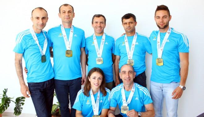 """Foto: Constănţenii, cu """"motoarele"""" turate la Semimaratonul de la Bucureşti"""