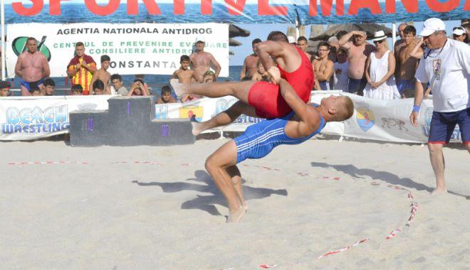 Foto: Constănţenii şi turiştii, invitaţi la Jocurile Sportive pe Plajă ale Mangaliei