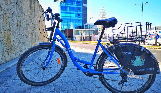 Foto: Constănţenii au prins gustul plimbărilor cu bicicletele gratuite