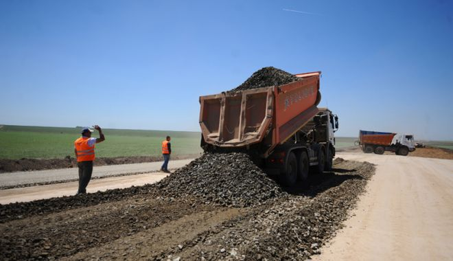 Foto: Construcția de autostrăzi - o cursă cu mii  de obstacole, în care doar statul român pierde