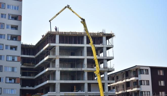 """Foto: Constănţeni panicaţi: """"Ne temem să nu ne trezim cu blocuri de 10 etaje!"""" Ce gânduri are primăria"""